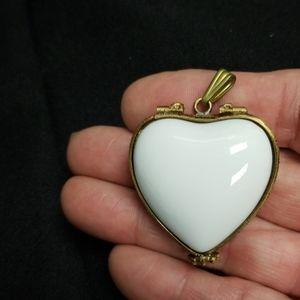 White ceramic pendant